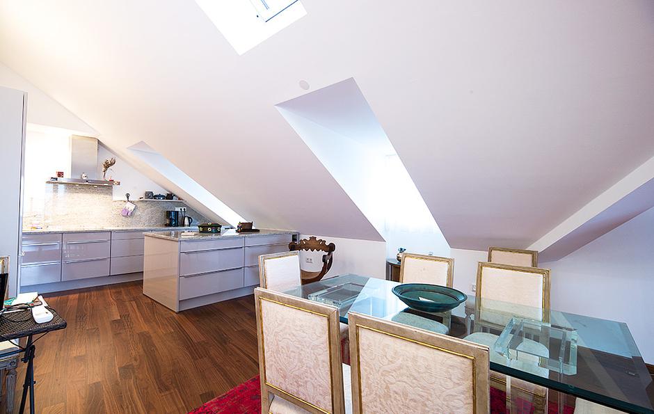 dachgeschoss maisonette wohnung in toplage tsc. Black Bedroom Furniture Sets. Home Design Ideas